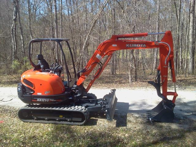 Where to find 6  WIDE KUBOTA KX040 OR KX121 EXCAVATOR in Salem