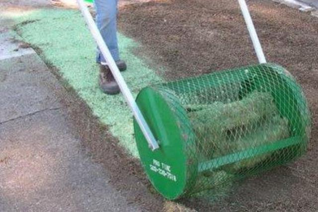 Where to find LARGE SAWDUST SPREADER 36  wide in Salem